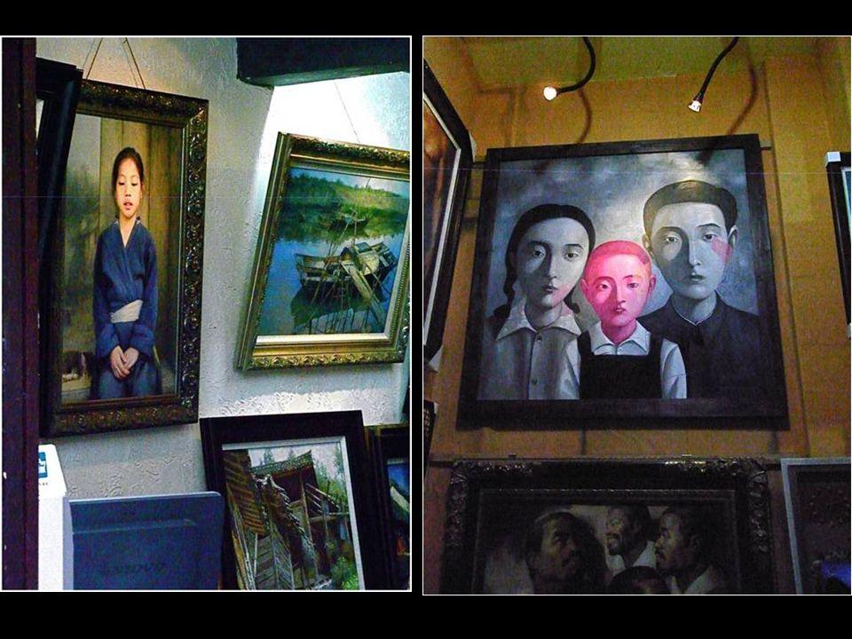 Mint művészetet tanító tanár fia, Huang ejőször európai milliomosok megrendeléseire készített festményeket. Kezdetben két napra volt szüksége, hogy eg