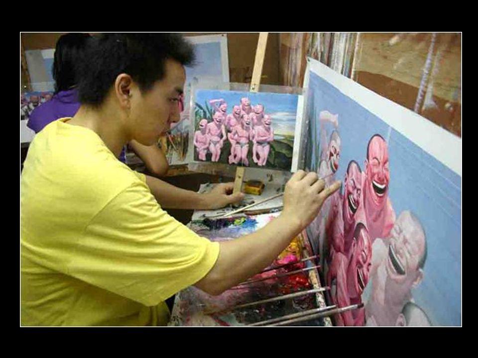 Most, az ő a nagy gyár -ában minden festő egy nap alatt mintegy 30 példányt fest.
