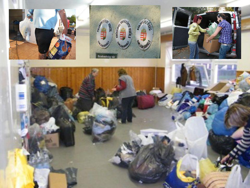 Rengeteg zsák kutyatakarót kaptunk, több száz kiló kutyaeledelt, gyógyszert állatoknak, tisztító és tisztálkodó szereket védőfelszerelést és sok- sok ruhaneműt, melyeket személy és teherautókkal juttatunk le a helyszínre.