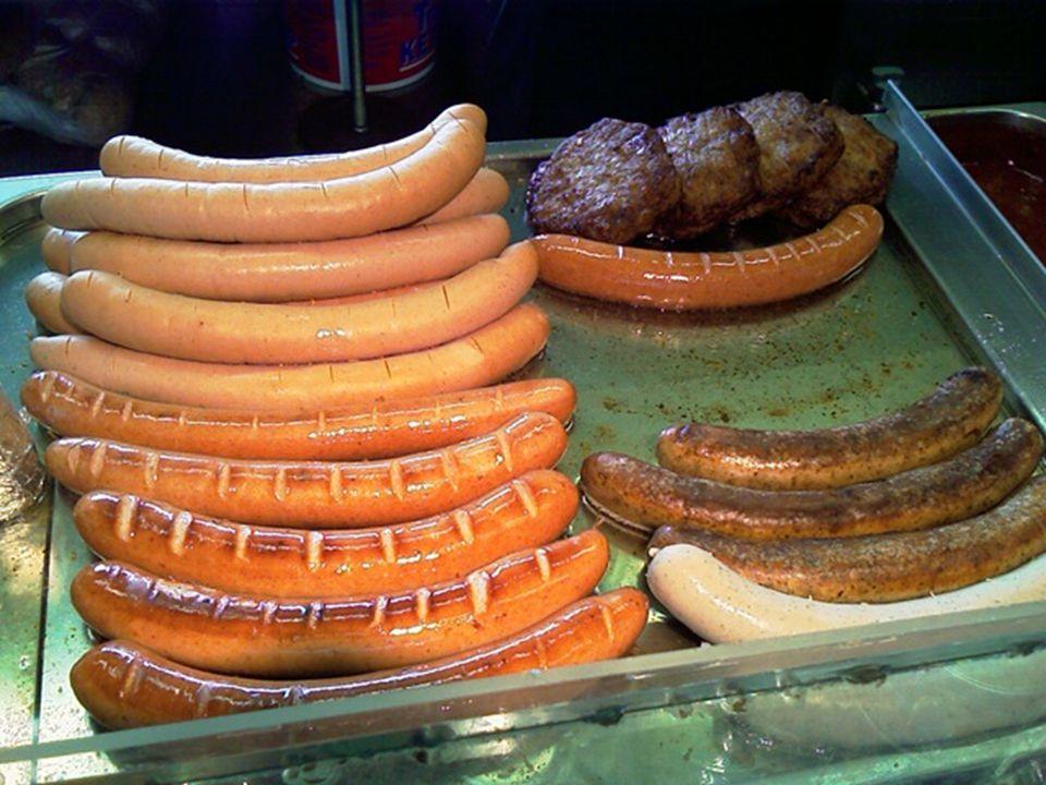 0-dik születésnapjára múzeumot kapott Berlinben a németek egyik kedvenc eledele, a currywurst. A virsli és a kolbász műfaja közötti, currys mártással