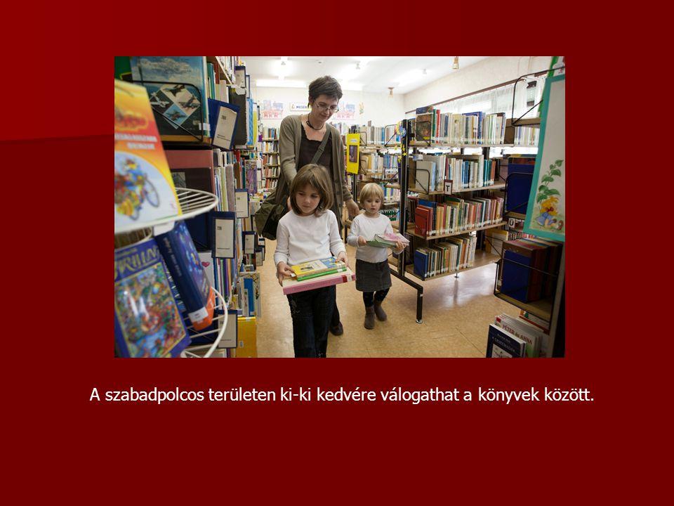 A szabadpolcos területen ki-ki kedvére válogathat a könyvek között.