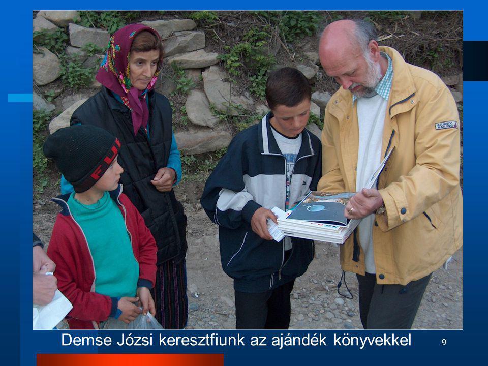 9 Demse Józsi keresztfiunk az ajándék könyvekkel