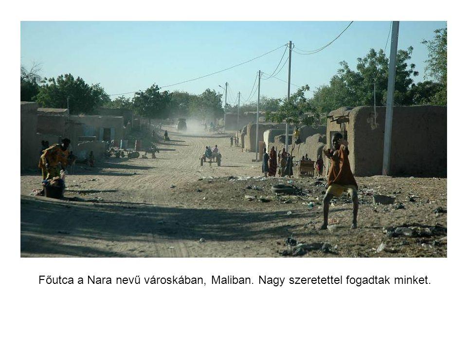 Első hajnalunk Maliban a szavannán. Szerintem már ezért megérte.