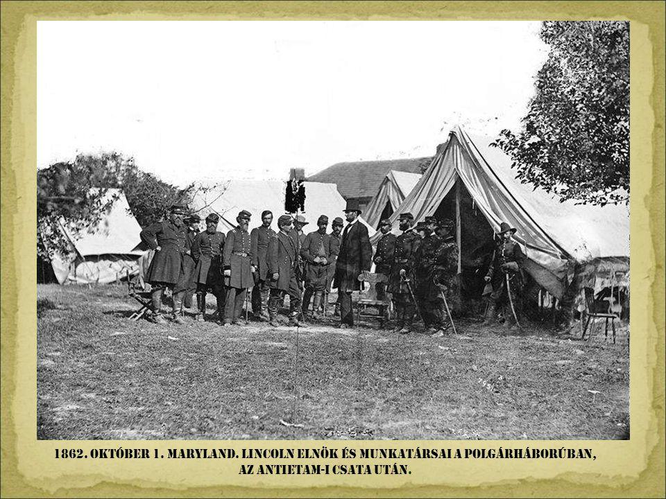 1838. Párizs. Az elsö tájfotó. Louis Daguerre tökéletesítette Nicéphore találmányát, és fényképet készített, melyet dagerrotípiának neveztek el.