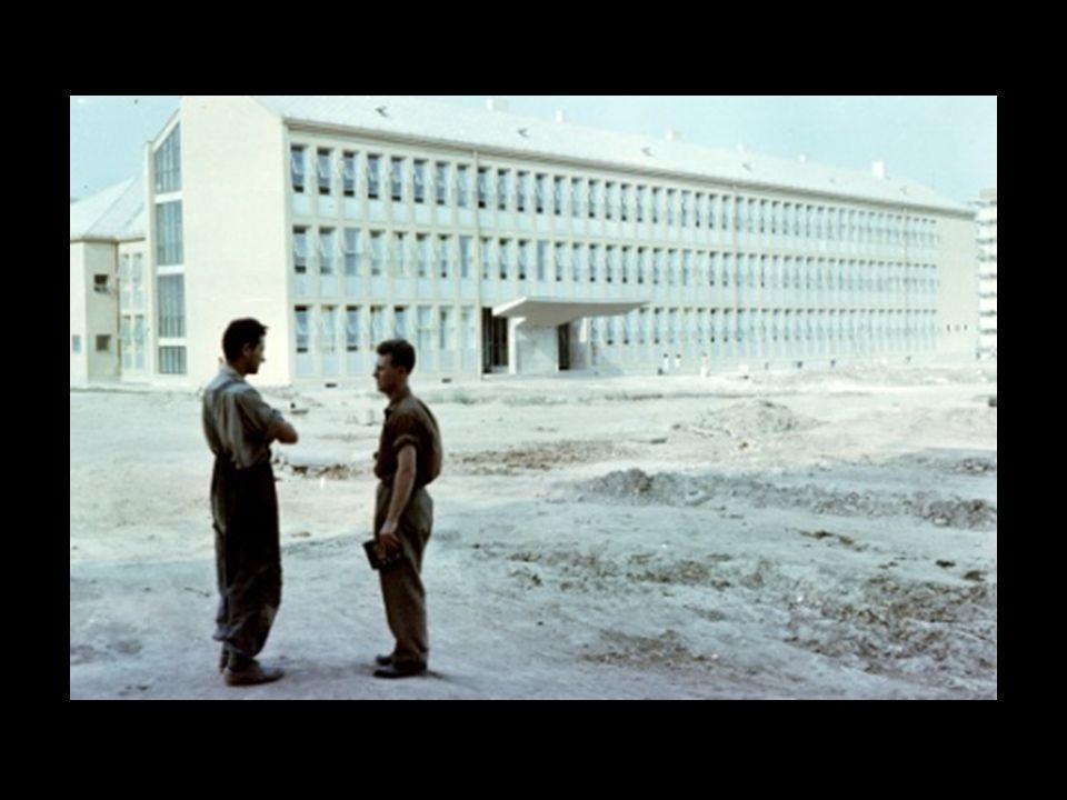 Épül az Esztergár úti épület az 50-es években