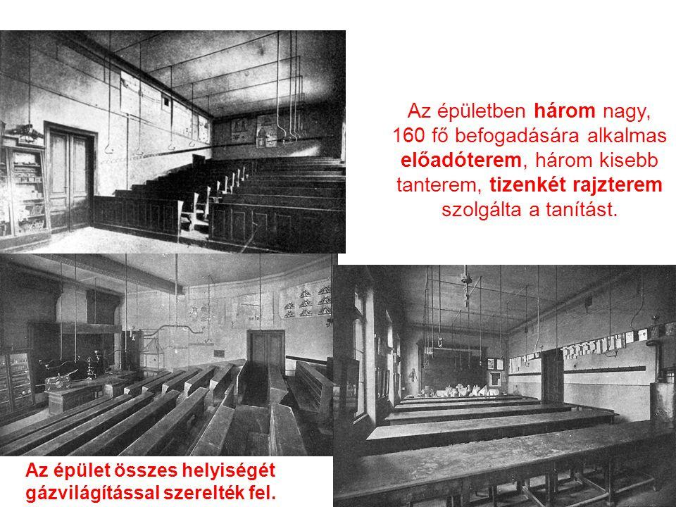 Az épületben három nagy, 160 fő befogadására alkalmas előadóterem, három kisebb tanterem, tizenkét rajzterem szolgálta a tanítást. Az épület összes he