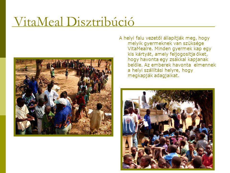 Néhány gyermek 10 kilométert gyalogol azért, hogy megkapja VitaMeal csomagját, sokszor több gyermek adagját is egy cipeli.
