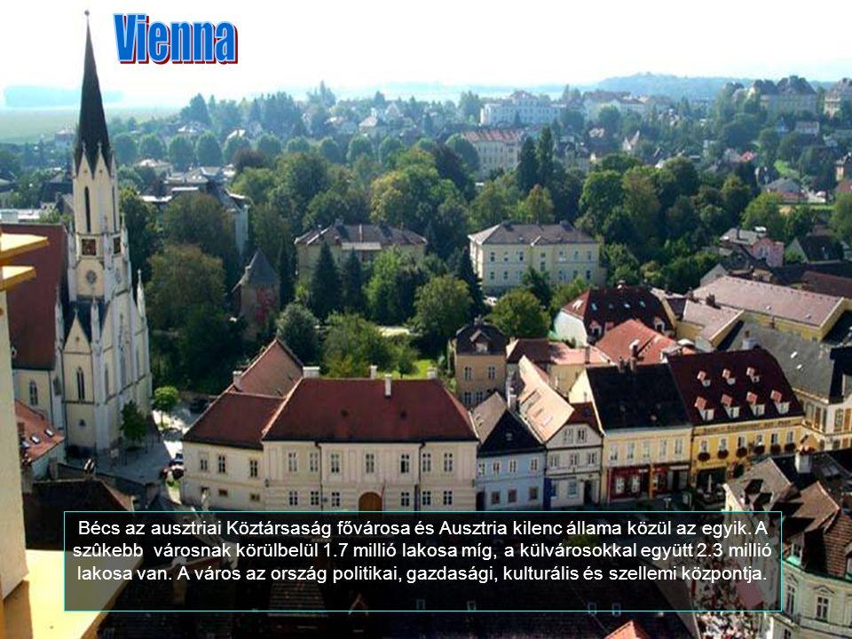 A körúton szép reneszánsz házakat és várakat lehet látni. Ez Aggstein megerősített monostora.