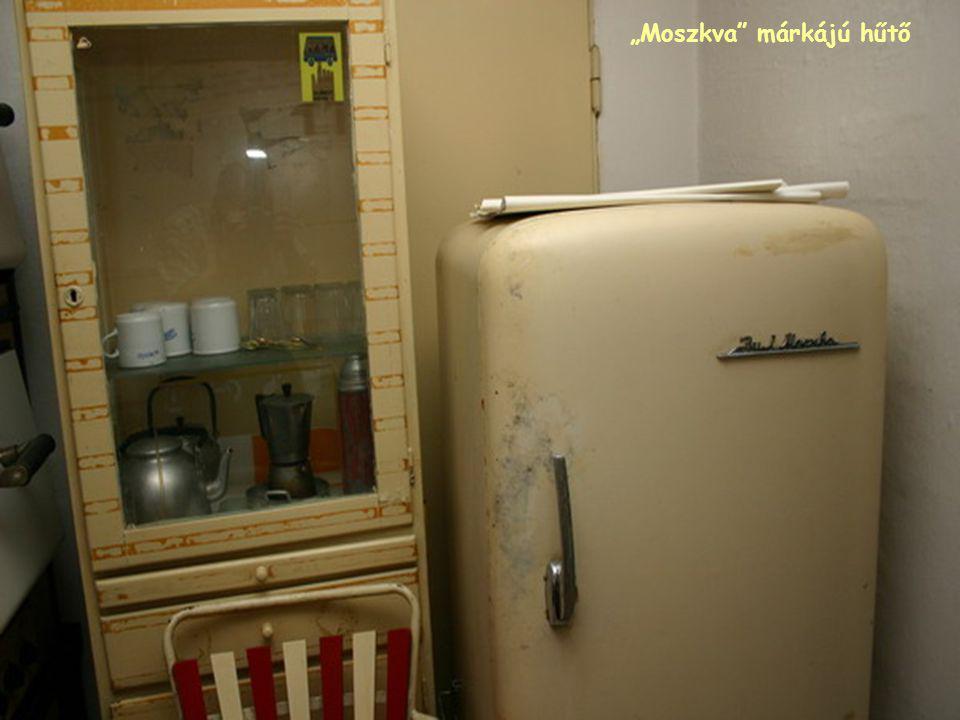 """""""Moszkva"""" márkájú hűtő"""
