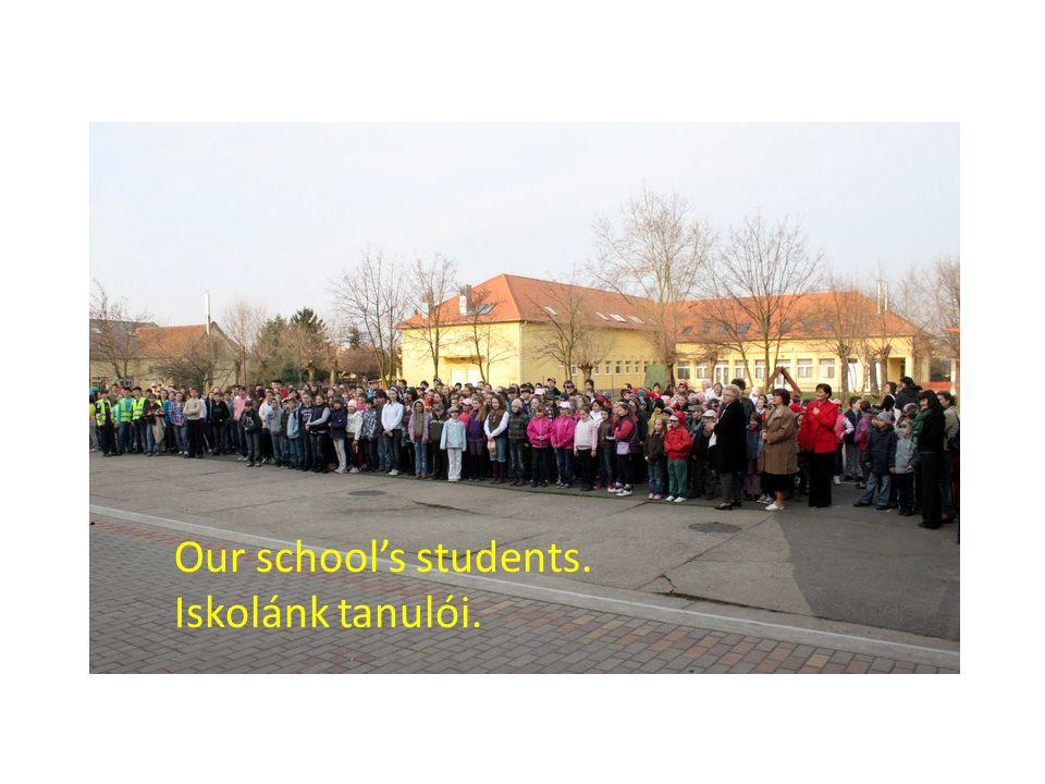 Our school's students. Iskolánk tanulói.