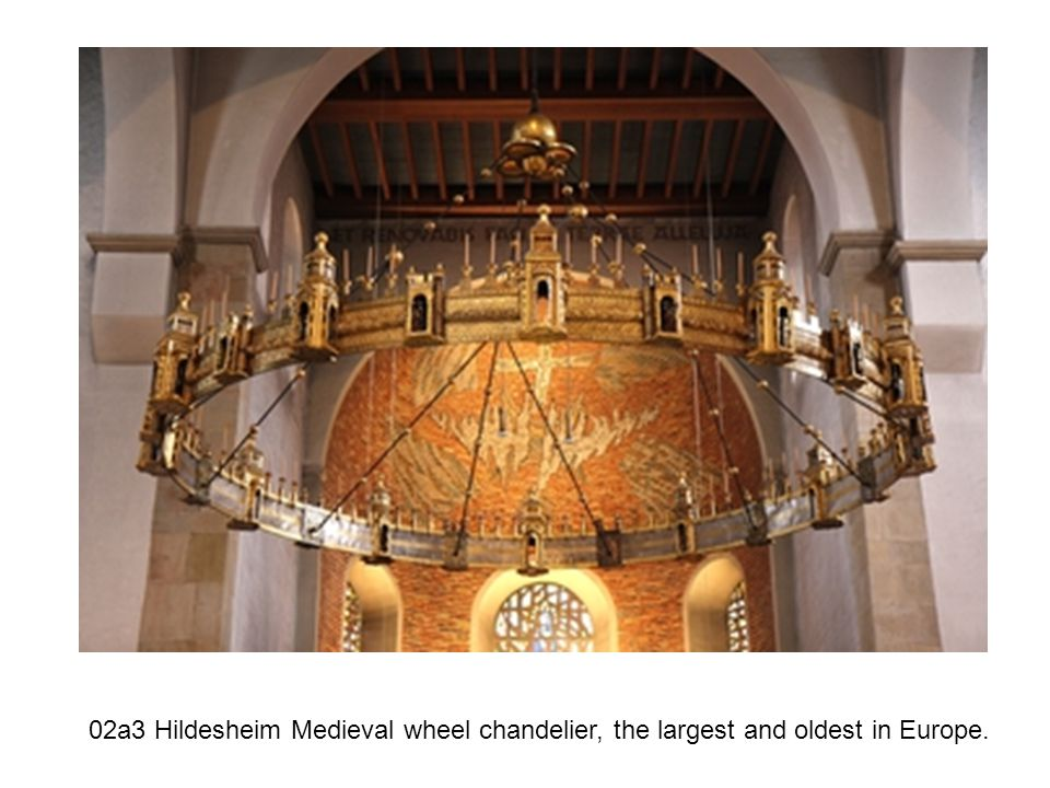02a3 Hildesheim Medieval wheel chandelier, the largest and oldest in Europe.