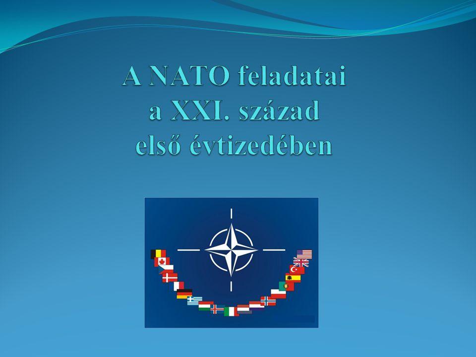 """""""Out of area missziók  Felelősségi körzeten kívüli feladat  Első: 1991-95 Délszláv háború  A NATO-n kívüli országok is támogatták  IFOR, SFOR  ENSZ jóváhagyás  Az """"out of area 1999-től lett hivatalos politika"""
