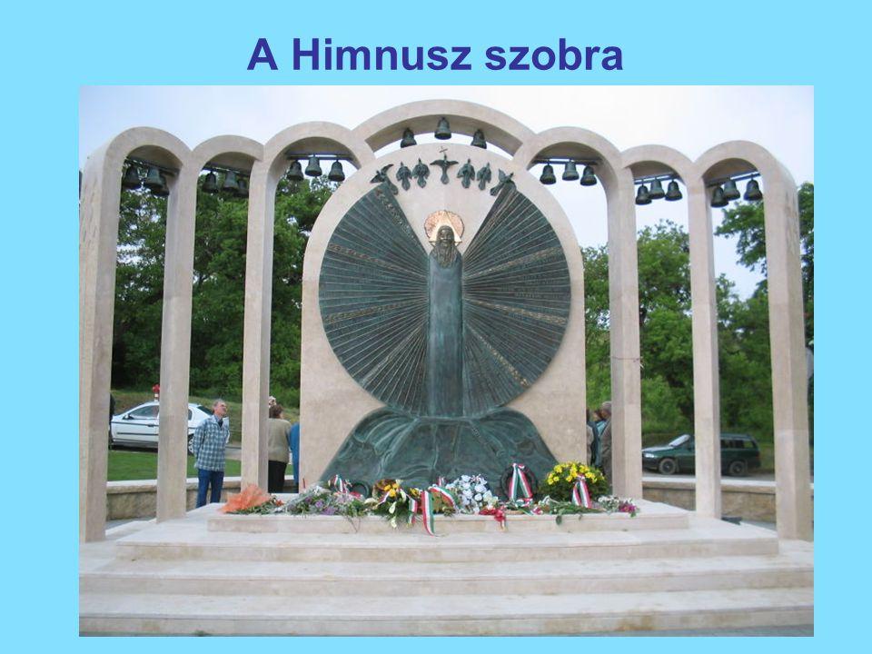 A Himnusz szobra