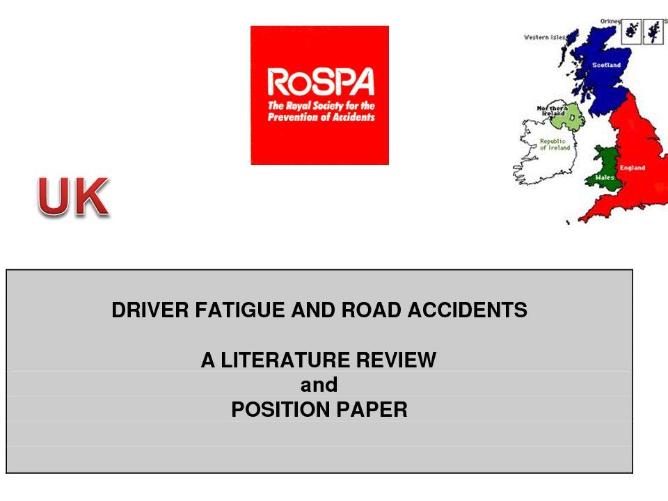 D R O W S Y D R I V I N G A N D AU T O M O B I L E C R A S H E S NCSDR/NHTSA EXPERT PANEL ON DRIVER FATIGUE AND SLEEPINESS NCSDR/NHTSA Expert Panel on Driver Fatigue and Sleepiness Vezetők 10%-a elalszik, 20% mikro alvással 100 000 baleset/év a fáradtság miatt, 5-10% összes baleset, 10-20% halálos baleset 71 000 sérülés 1550 haláleset Költség 12,5 milliárd dollár