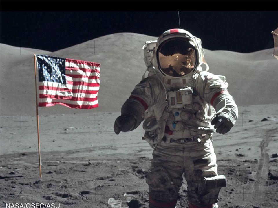Érdekes információk a Holdra szállásról Fedélzeti számítógép Kilincs Zászlórúd Kedves idős hölgyek