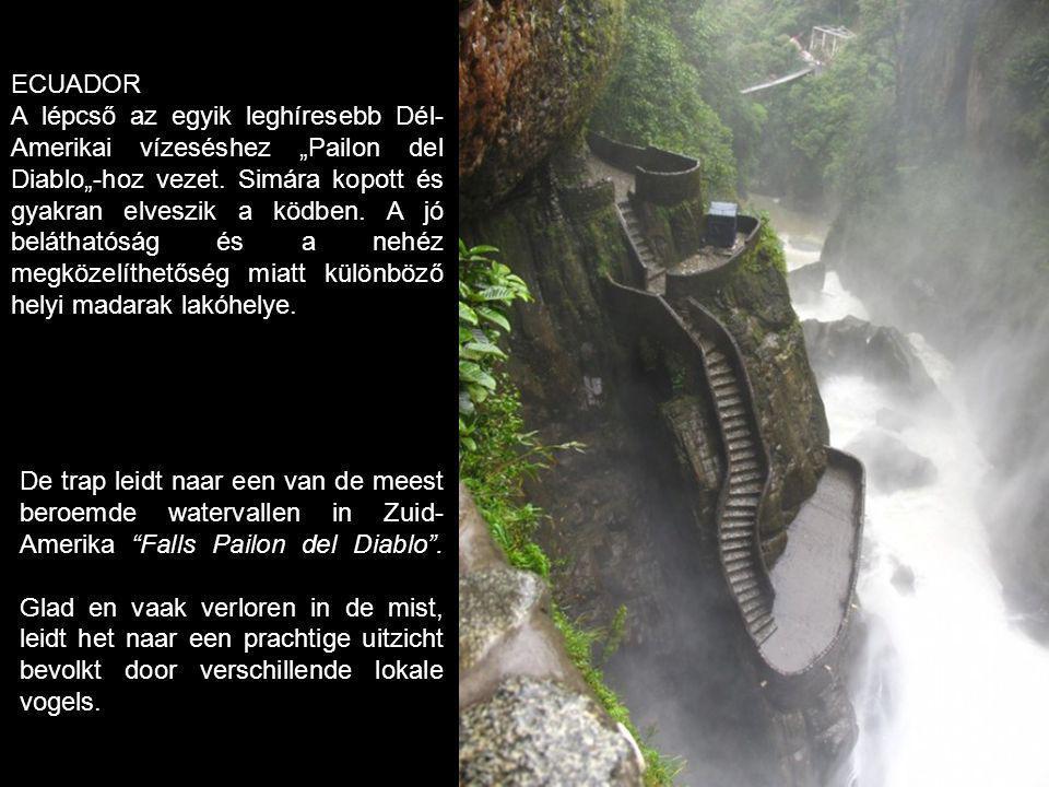 De trap leidt naar een van de meest beroemde watervallen in Zuid- Amerika Falls Pailon del Diablo .