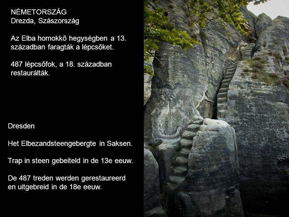 Dresden Het Elbezandsteengebergte in Saksen.Trap in steen gebeiteld in de 13e eeuw.