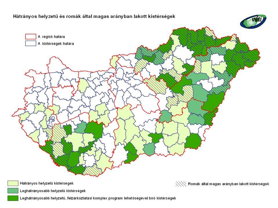 A kirekesztettség következményei  Ezeken a településeken, településrészeken a lakosság egészségi és életminőségre vonatkozó mutatói jelentősen rosszabbak az országos átlagnál  A romák munkaerőpiaci helyzete drámai mértékben romlott a rendszerváltozás után, mivel korábban nagy részük a legveszteségesebb ágazatokban dolgozott, ott is a legalacsonyabban képzett munkások között voltak, és a helyzetet az etnikai alapú diszkrimináció is súlyosbítja  Egy 2003-as kutatás szerint a 15 és 74 év közötti roma férfiak kevesebb, mint harmadának van munkajövedelme, és ennek a csoportnak is a 70%-a segéd- vagy betanított munkásként dolgozik  A roma nőknél a helyzet még rosszabb: mindössze egyhatoduknak volt a felmérés szerint valamilyen rendszeres munkája, ami a korai gyermekvállalással, a nem megfelelő képzettséggel és a nemi alapú diszkriminációval függ össze  A szegénység előfordulása a roma népesség körében 5-10-szeres a nem roma népességhez képest  Az oktatásban is megfigyelhető a roma gyermekek szegregációja: óvodába csupán 42%- uk jár, miközben az országos átlag 88%  Magas a lemorzsolódás már az alapfokú oktatásban és a magántanulóvá, valamint az értelmi fogyatékossá minősítés aránya is jóval magasabb, mint a nem roma tanulók körében