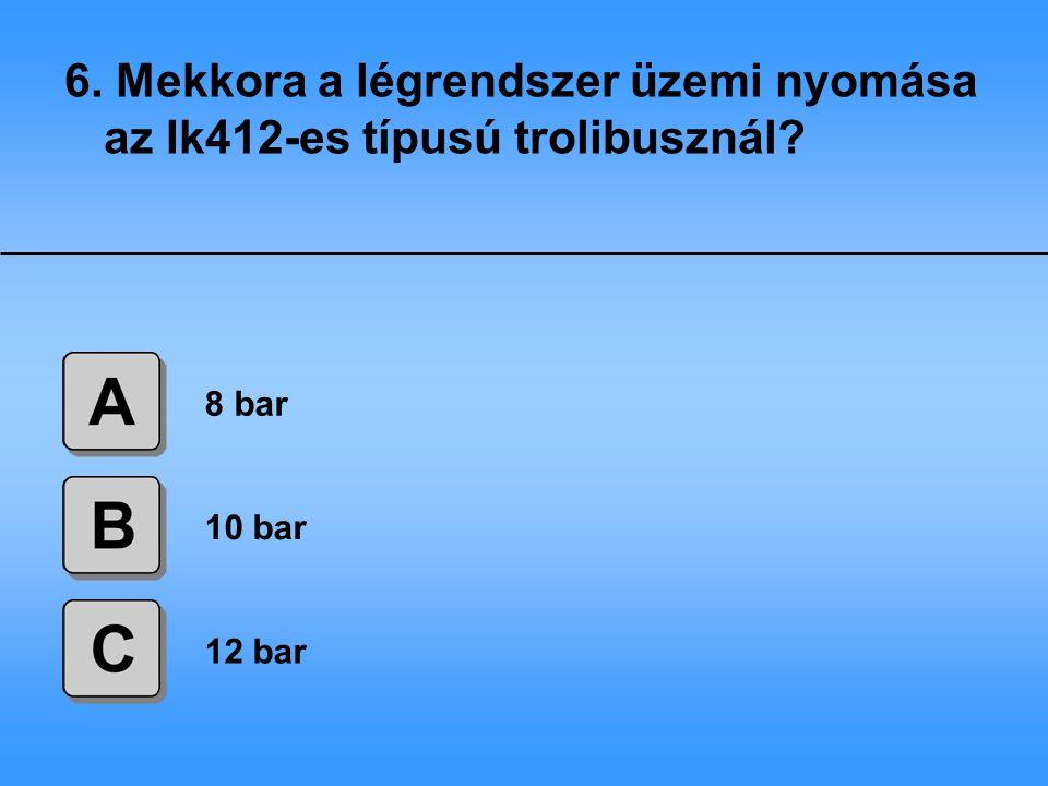7.Mennyi szénkefe található az Ik412-es típusú trolibusz hajtómotorjában.