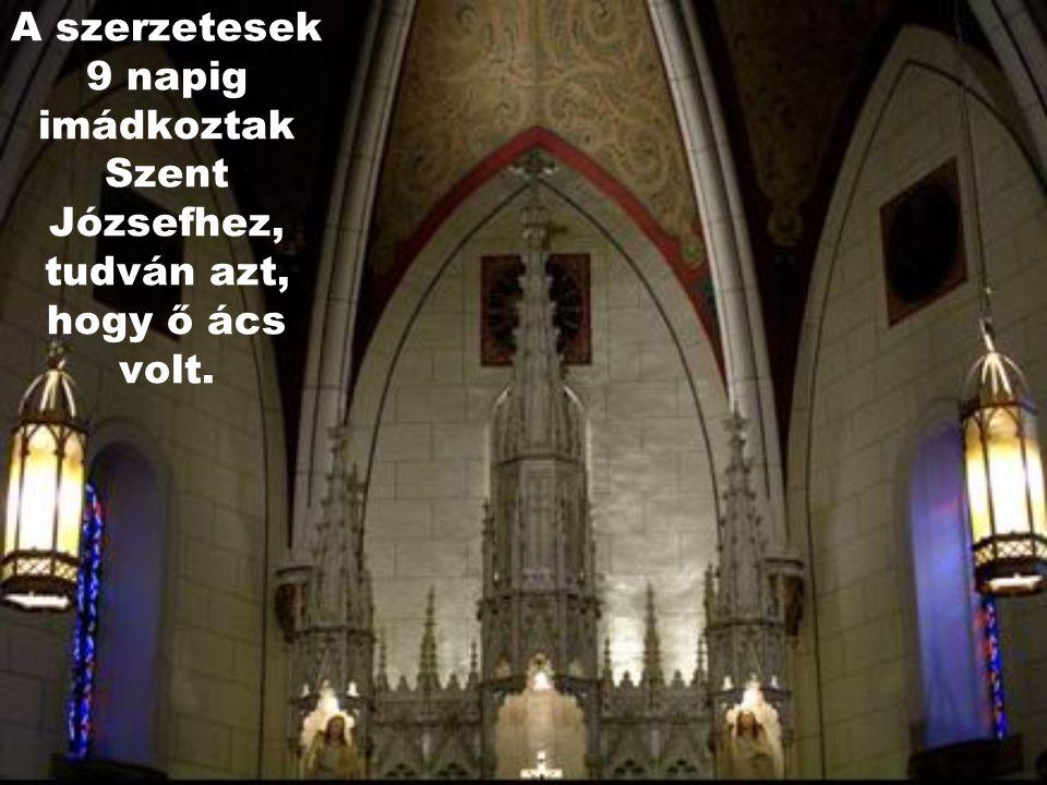 A kápolna a XIX. században épült. Amikor elkészült, akkor vették észre a szerzetesek, hogy nincsen lépcsőfeljárat a kórusnak fenntartott emelvényhez.