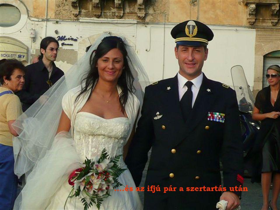 A siracusai dómban éppen esküvői szertartás volt.