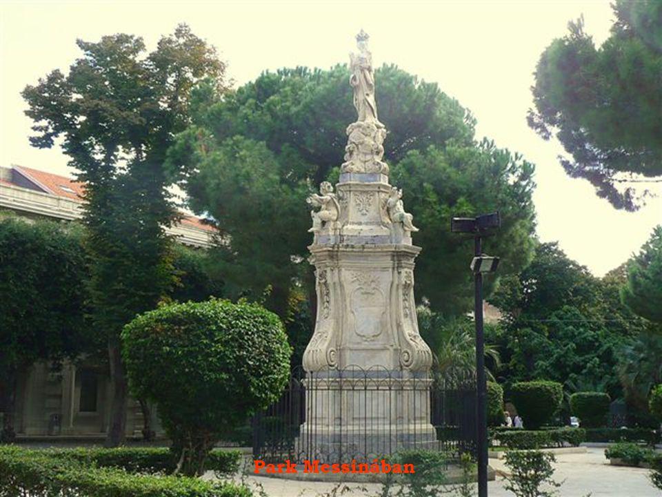 Utcakép Taorminában