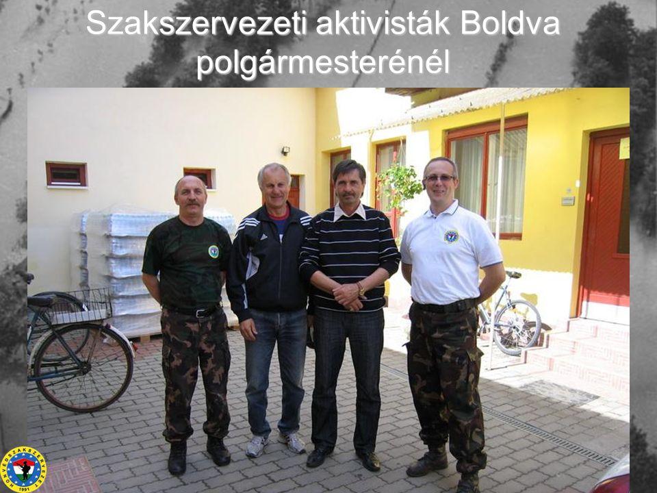 Szakszervezeti aktivisták Boldva polgármesterénél