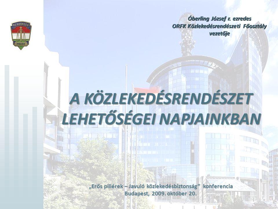 """Kommunikációs tevékenységben rejlő lehetőségek jobb kihasználása •Kommunikáció: nagy lehetőségek tárháza •Internet adta lehetőségek kihasználása - www.baleset-megelozes.eu honlap rendszeres frissítése www.baleset-megelozes.eu - látogatottságának növelése - kapcsolatépítés népszerű honlapokkal (együttműködés, banner) •Bulvársajtó fokozott jelentősége •Sokkoló preventív kampányok alkalmazása - rövid, megdöbbentő spotok – főleg a fiatalok körében hatékony - a """"három gyilkos vonatkozásában kell alkalmazni - költségcsökkentés: külföldi spotok átvétele."""