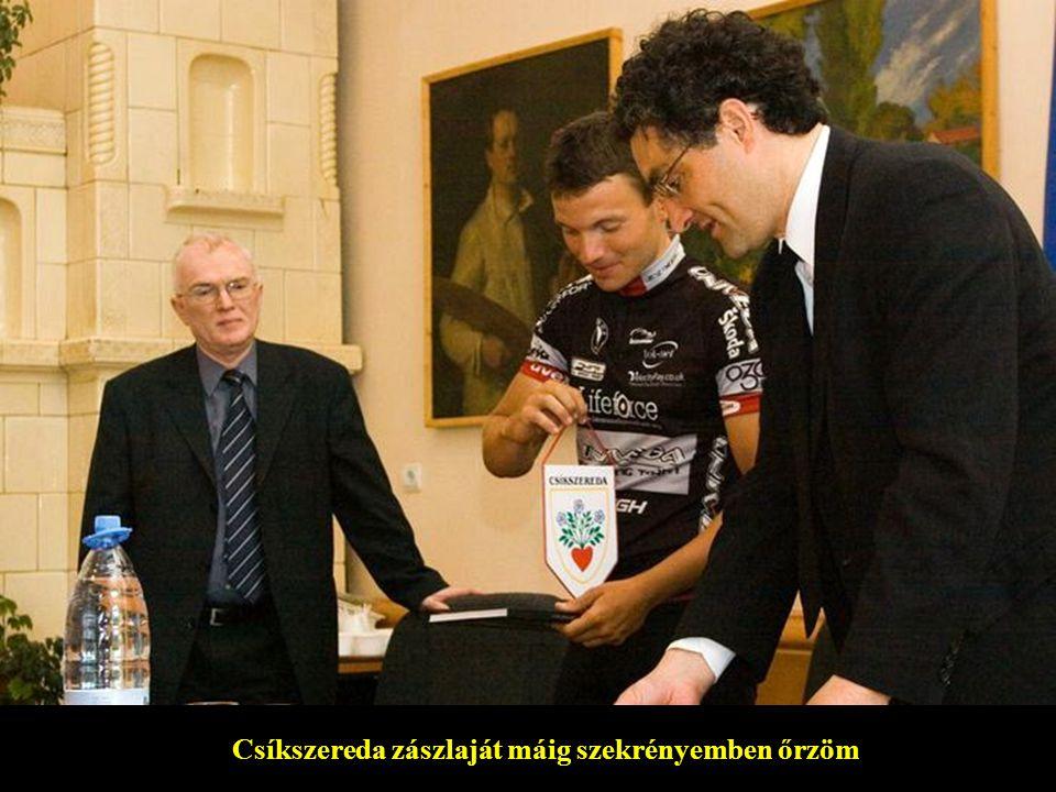 Szabó Béla csíkszeredai főkonzullal és Ráduly Róberttel, Csíkszereda polgármesterével