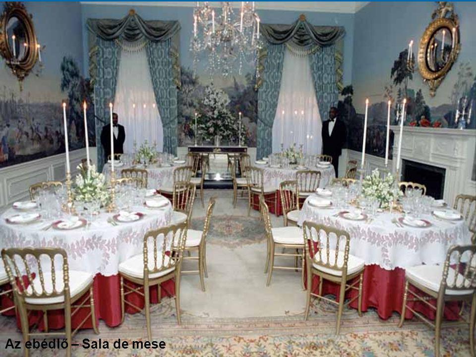 A Vörös Terem, fogadások színhelye Salonul Roşu, sala recepţiilor