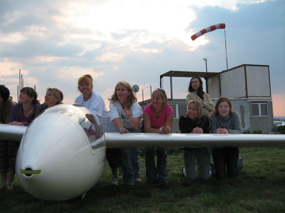 2008-ban repült rekordjaink NévRekord típusKategóriaTáv Ábrok ÁgnesNemzetiCéltávNői/Open222,8 km Diófási OrsolyaOrszágosCéltávNői/15m503,7 km Márkus TímeaOrszágosTávolságNői/15m561,7 km Márkus TímeaNemzetiSzabad, max.