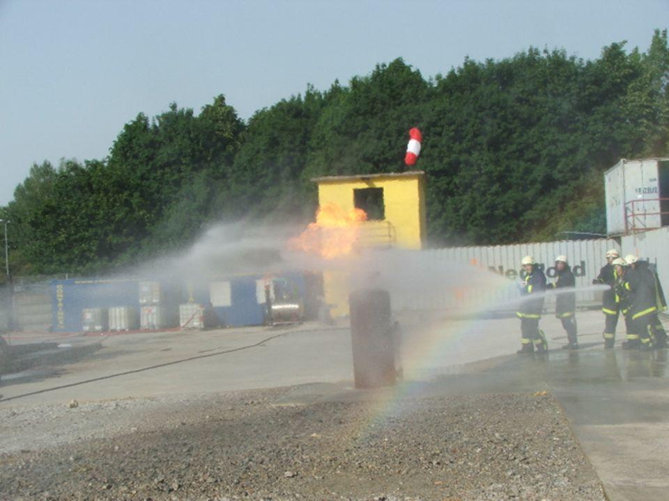Gázfáklya oltása.... Gas flare extinguishing.. Gázfáklya oltása.... Gas flare extinguishing..