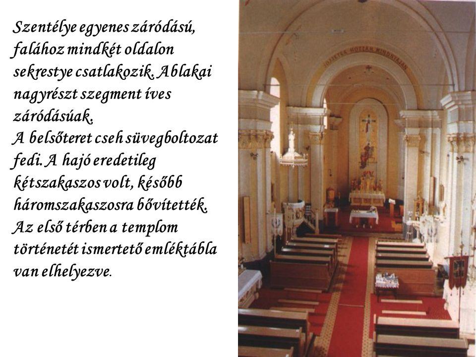 Homlokzatán a Károlyi –és a Pappenheim-címer. Buják ma is meglévő római katolikus temploma 1752 és 57 között épült, Eszterházy Pál kegyúr költségén. A