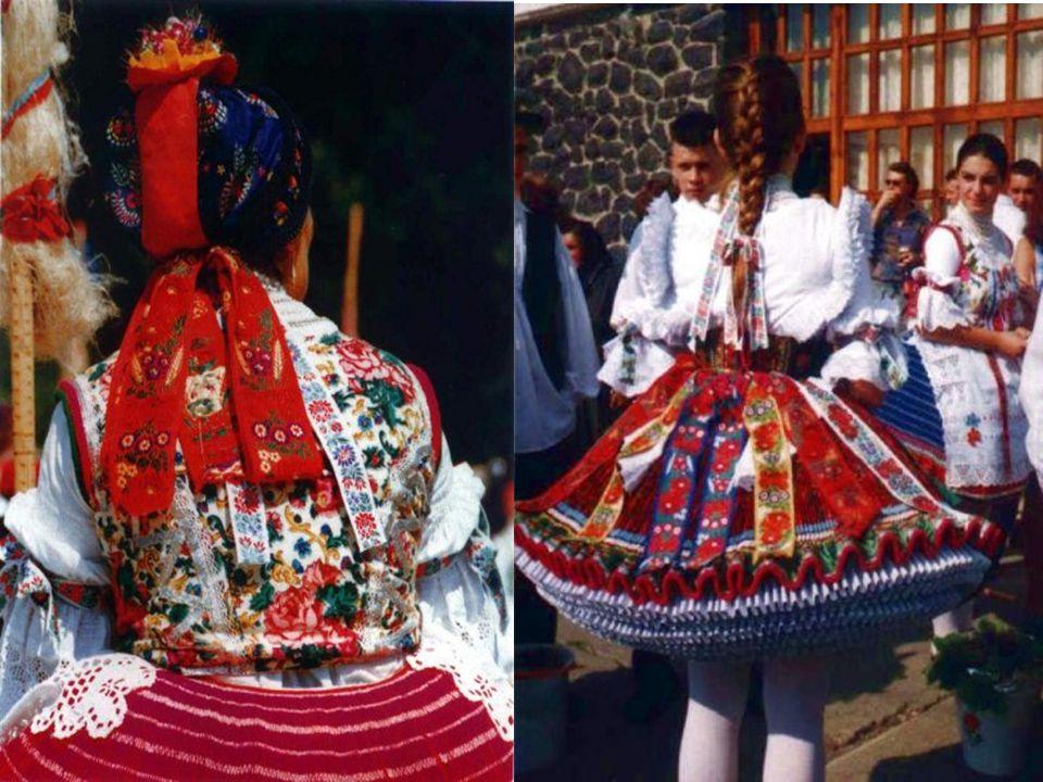 Messze földön híres a színes bujáki népviselet, amit a XX.