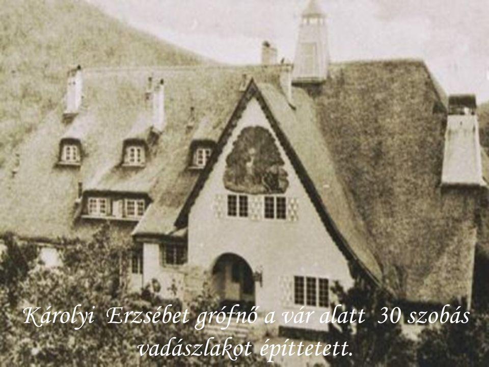 Az 1562 -1563. évi török adólajstromok szerint a településen 38 adóköteles ház volt. Az 1633-34. évi számadáskönyvekben a váci nahije községei között
