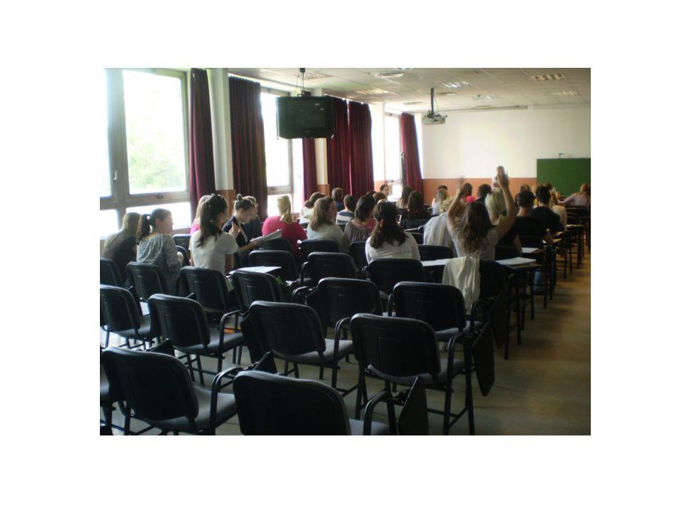 A projekt létrejöttének előzményei, a tantárgy fő jellemzői és céljai •OktaTÁRS; Kisebbségszociológia tárgy /2003 óta/ •nem szokványos iskolai tantárgy: - a foglalkozások 1/3-a külső helyszíneken zajlik (séta a régi zsidó városnegyedben, zsinagógák megtekintése, Holokauszt Emlékközpont, CEU) •minden tanár szakos hallgató számára nyitott az ELTE-n (eddig 93 hallgató teljesítette 4 tanulócsoportban nappali és esti tagozaton) •külső szakértők, meghívott vendégek is tartanak órákat (pl.