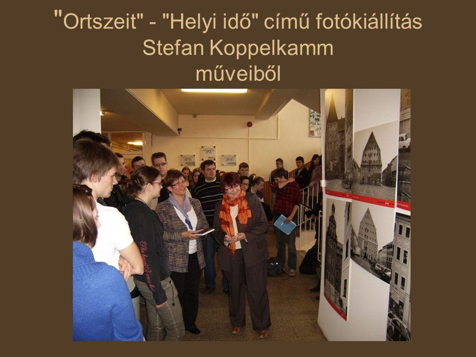 Ortszeit - Helyi idő című fotókiállítás Stefan Koppelkamm műveiből