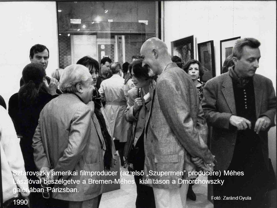 """Sztárovszky amerikai filmproducer (az első """"Szupermen"""" producere) Méhes Lászlóval beszélgetve a Bremen-Méhes kiállításon a Dmorchowszky galériában Pár"""