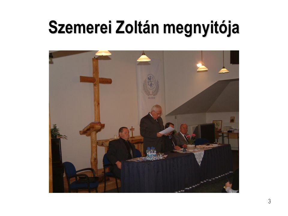 4 Szemerei Zoltán megnyitóját hallgatók
