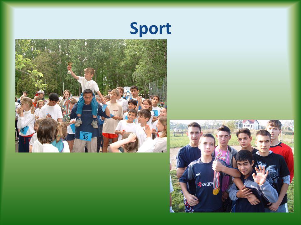 Két fontos esemény • Amerikai Nagykövetség által szervezett nyári tábor • Dáma Európa Bajnokság, Varsó