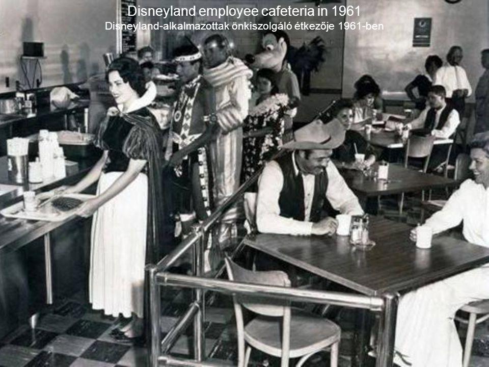 Disneyland employee cafeteria in 1961 Disneyland-alkalmazottak önkiszolgáló étkezője 1961-ben