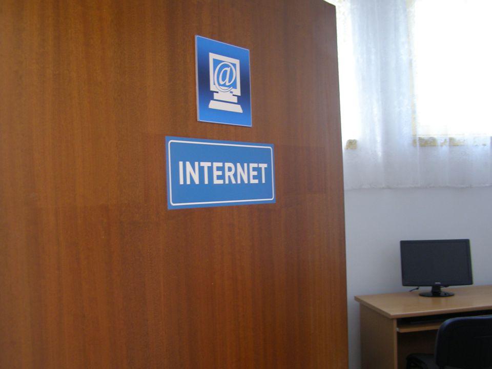 EREDMÉNYEK  1 db Szikla szerver  1 db munkaállomás  4 db használói számítógép perifériákkal  1 db használói számítógép látássérültek számára  1-1 db látássérültek számára Braille és Magic billentyűzet, felolvasó program, képernyőnagyító szoftver  6 db LCD monitorok  2 db szünetmentes tápegység  1 db projector  1 db multifunkciós nyomtató  1 db lapolvasó Haizler Lászlóné Bük, 2013.