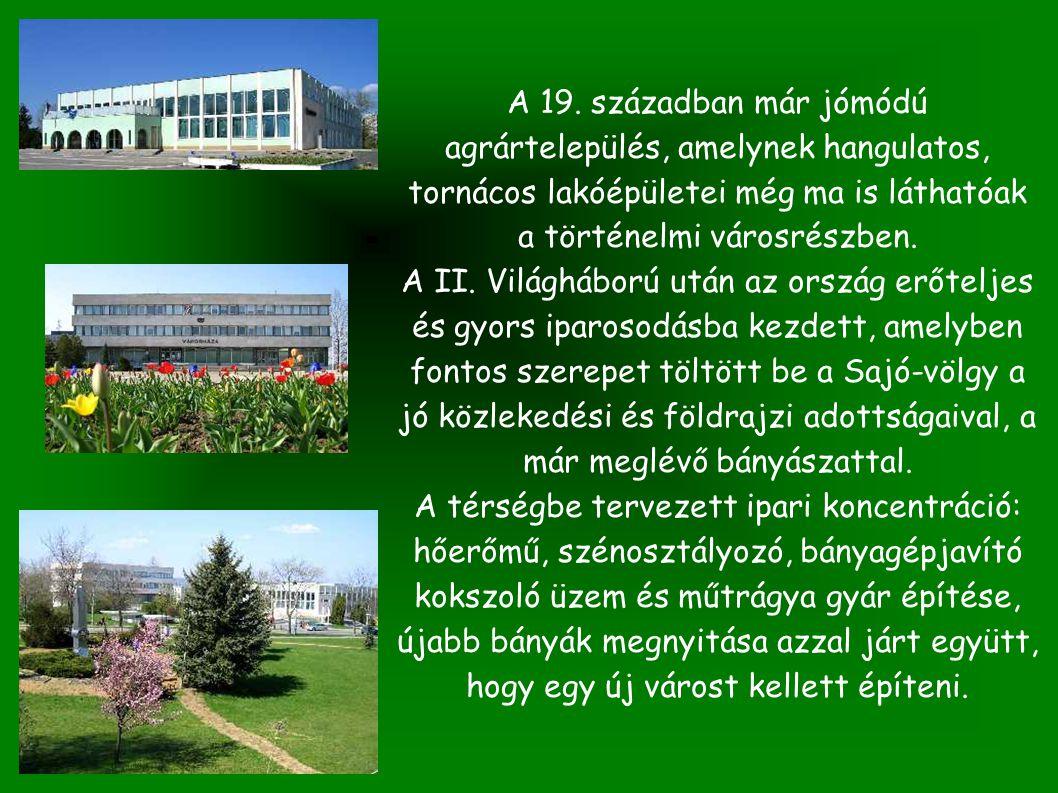 Az épület bemutatása Kazincbarcika főterén a posta épületének 2/3 része eladó.