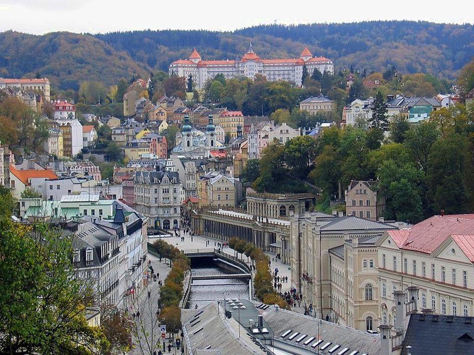  Csehország világhírű fürdővárosába évszázadokon  át sok híres művész (Bach, Beethoven, Dvorak), király és irodalmi személység látogatott, gyógyulást és pihenést keresve.