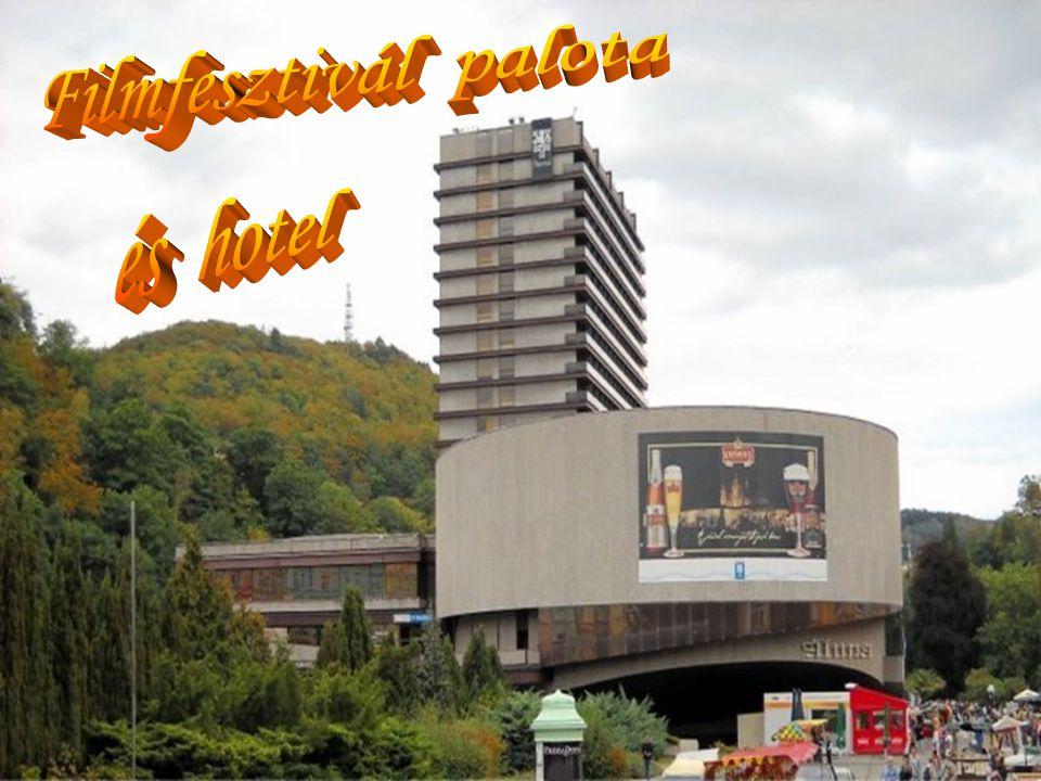  A népszerű Karlovy Vary-i Nemzetközi Filmfesztivált a négy tekintélyes A-kategóriájú európai fesztivál között tartják nyilván.