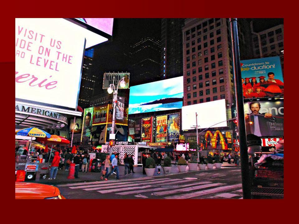 Nézzünk meg egy panoráma összeállítást: http://www.airpano.ru/files/Millennium-UN- Plaza-Hotel-New-York-Night/2-2 A Wall Street: A 17. században itt h