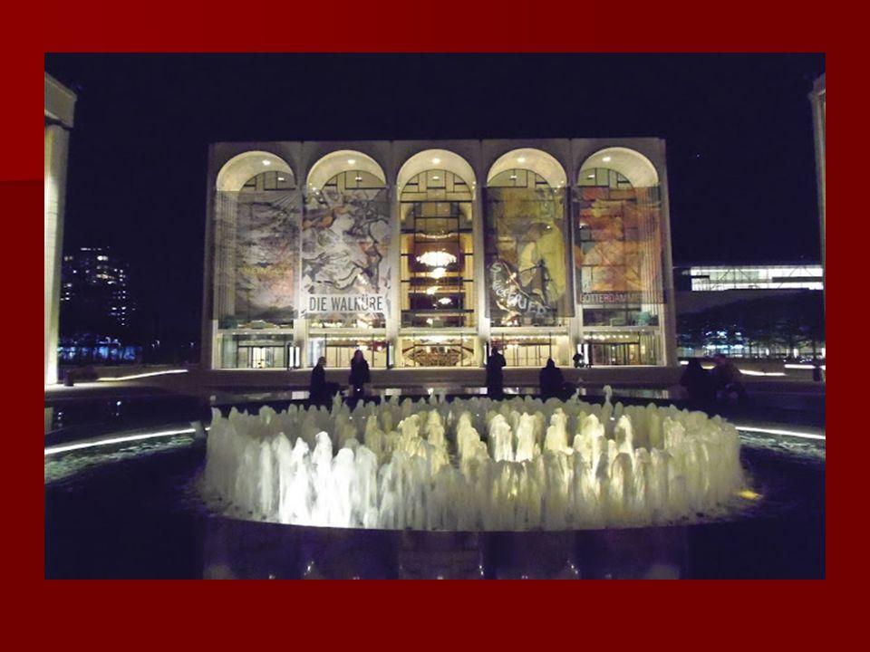 Lincoln Center: Lincoln Center: Az 50-es években épült megaméretű kulturális központban találjuk a Metropolitan Operát, a New York-i Filharmonikusok a