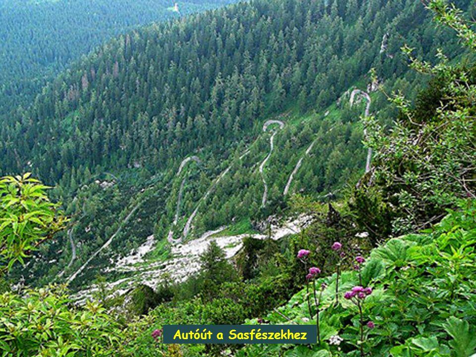 Sasfészek a nemzeti park legfőbb attrakciója egy keskeny csúcsháton helyezkedik el 1834 méter t.f.