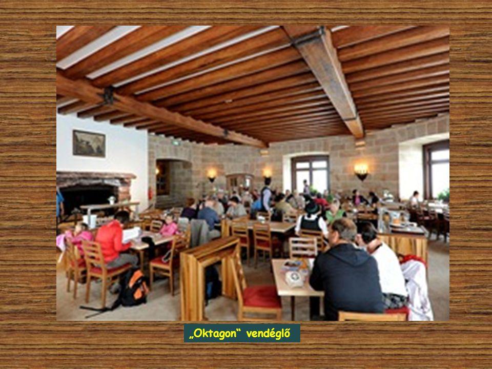 A Sasfészek fő helyisége az úgynevezett Oktagon, egy nyolcszögletű terem kandallóval. Ma ez szolgál vendéglőként. Innen nyílik Éva Braun szobája és eg