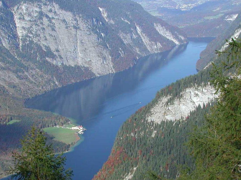 A tó kilátóhelye
